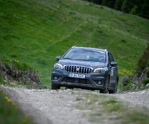 """Suzuki SX4 este """"Cel mai 4x4 SUV"""" din România"""