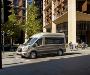 Ford Transit este acum disponibil cu o transmisie automată cu 10 trepte de viteză