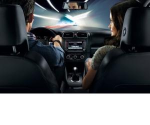 Achizitii importante de care ai nevoie pentru a imbunatati experienta de condus si estetica interioara a masinii