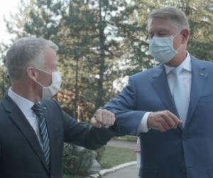 Ford Romania logotype Președintele Klaus Iohannis a vizitat astăzi fabrica Ford Craiova. Ford a reluat programul de lucru în trei schimburi și anunță o investiție suplimentară de 30 de milioane de dolari