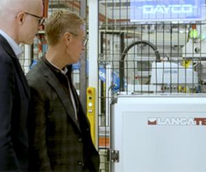 Premiera DAYCO la evenimentul Earth împreunăcu John Holden, furnizor de soluții pentru vehicule hibride