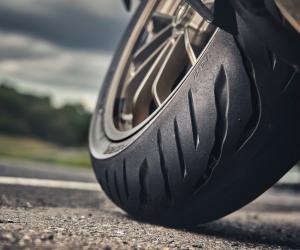 Bridgestone anunță anvelopele de motocicletă Battlax Sport Touring T32 și T32GT prin care setează o nouă categorie