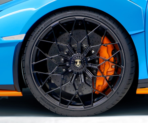 Lamborghini a ales anvelopele Bridgestone pentru a echipa supermodelul Huracán STO