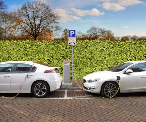 Sondaj pentru reparații auto hibride, respectiv electrice