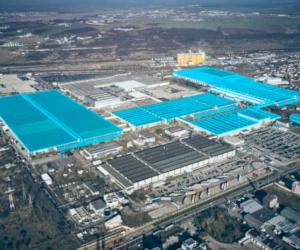 Ford va produce un nou vehicul comercial ușor în România, în 2023; Versiunea complet electrică debutează în 2024