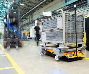 Compania Continental, mai eficientă cu ajutorul roboților autonomi de transport din producție proprie