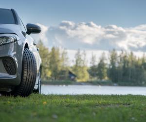Nokian Tyres: 5 motive pentru care anvelopele de vară sunt indispensabile siguranței pe drumurile publice în timpul sezonului cald