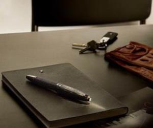 Un nou instrument de scris în ediție limitată reunește două embleme: arta scrisului cu arta de a face anvelope